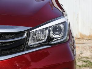 2017款1.5T 自动舒适型 头灯