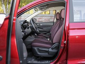 2017款1.5T 自动舒适型 前排空间