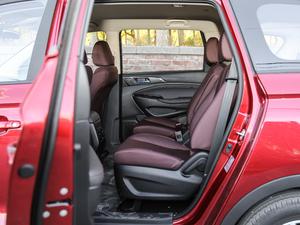 2017款1.5T 自动舒适型 后排空间