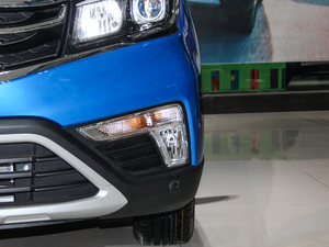 2017款1.6L 手动舒适型 雾灯