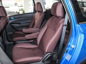 2017款1.6L 手动舒适型 后排座椅