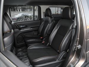 2018款1.5L 手动豪华型 后排座椅
