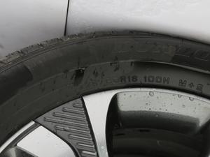 2018款1.5T 自动 智 轮胎尺寸