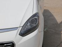 细节外观大7 MPV头灯