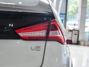 2017款1.6L CVT爵士APA版 尾灯