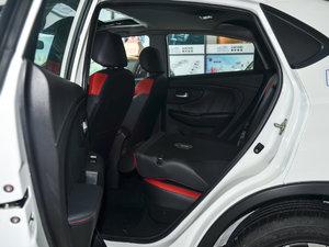 2017款1.6L CVT爵士APA版 后排座椅放倒