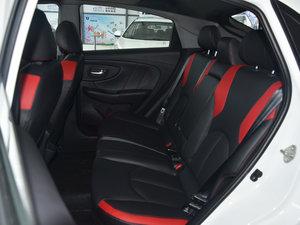 2017款1.6L CVT爵士APA版 后排座椅