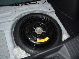2017款1.6L CVT爵士APA版 备胎