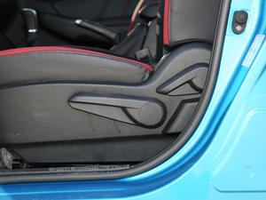 2017款1.6L 手动爵士AR+版 座椅调节