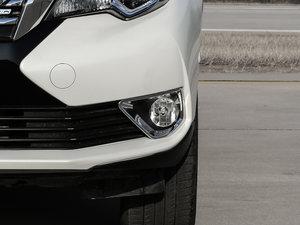 2017款2.0L CVT领尚版 雾灯