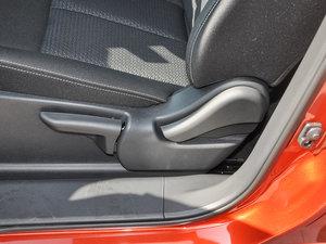 2017款2.0L 手动风尚版 座椅调节