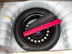 2016款1.2L 手动优享版 备胎