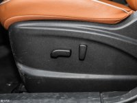 空间座椅启辰T70座椅调节