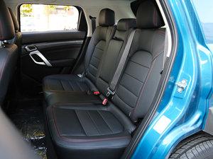 2016款1.5T CVT豪华型 后排座椅