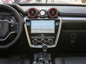 2016款1.5T CVT豪华型 中控台