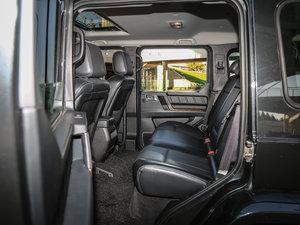 2016款2.3T 自动四驱尊贵版 后排空间