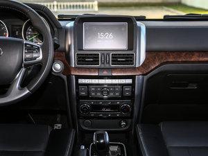 2016款2.3T 自动四驱尊贵版 中控台