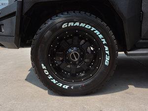 2017款2.3T 捍卫者版 轮胎