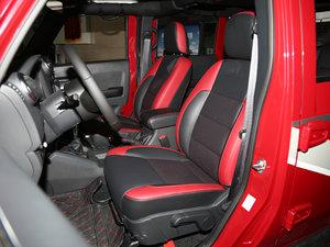 2017款L 2.3T 自动环塔冠军版  前排座椅