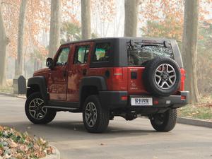 2018款L 2.0T 手动尊贵版 柴油 后侧45度
