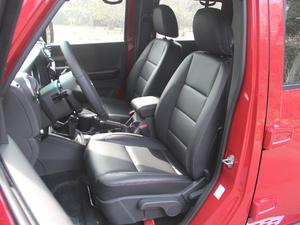 2018款L 2.0T 手动尊贵版 柴油 前排座椅