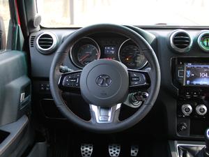 2018款L 2.0T 手动尊贵版 柴油 方向盘