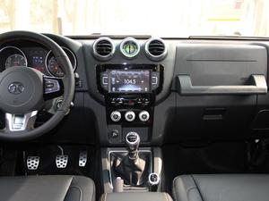 2018款L 2.0T 手动尊贵版 柴油 中控台