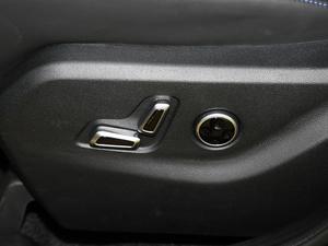 2018款PLUS 2.3T 自动四驱旗舰版 座椅调节