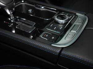 2018款PLUS 2.3T 自动四驱尊享版 驻车制动器