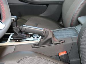 2018款1.6L DCT尊贵型 驻车制动器