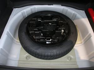 2018款1.6L DCT尊贵型 备胎