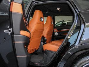 2015款4.4 V8 后排空间