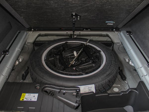2015款4.4 V8 备胎