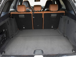 2019款AMG C 63 S Estate 空间座椅