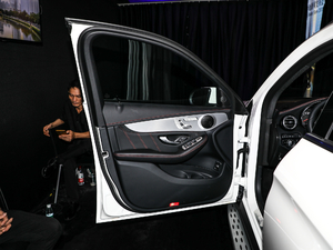 2018款AMG GLC 63 4MATIC+ 驾驶位车门
