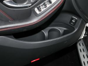 2018款AMG GLC 63 4MATIC+ 车门储物空间