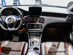 2018款AMG A 45 臻藏版 空间座椅