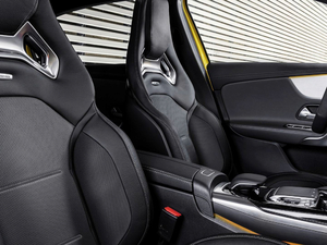 2018款AMG A 35 4MATIC 空间座椅