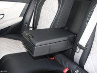 空间座椅奔驰GLC级AMG轿跑SUV后排中央扶手
