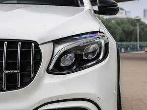 2018款AMG GLC 63 S 4MATIC+ Coupe 头灯