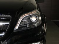 细节外观奔驰GL级AMG头灯