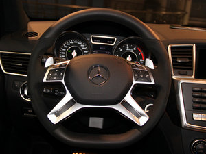 2014款AMG GL 63 方向盘
