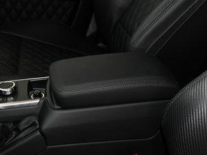 2016款AMG G 63 463 前排中央扶手