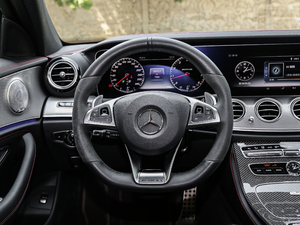 2017款AMG E 43 4MATIC 特别版 方向盘