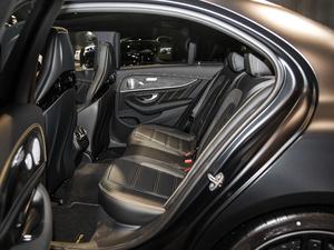 2017款AMG E 63 S 4MATIC+ 特别版 后排空间