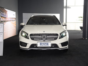 2017款AMG GLA 45 4MATIC 正侧45度