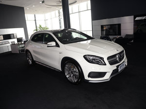 2017款AMG GLA 45 4MATIC 整体外观
