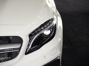 2017款AMG GLA 45 4MATIC 头灯
