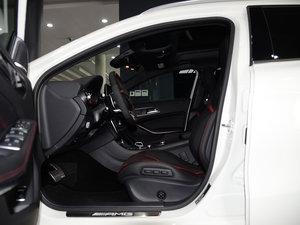 2017款AMG GLA 45 4MATIC 前排空间