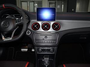 2017款AMG GLA 45 4MATIC 中控台